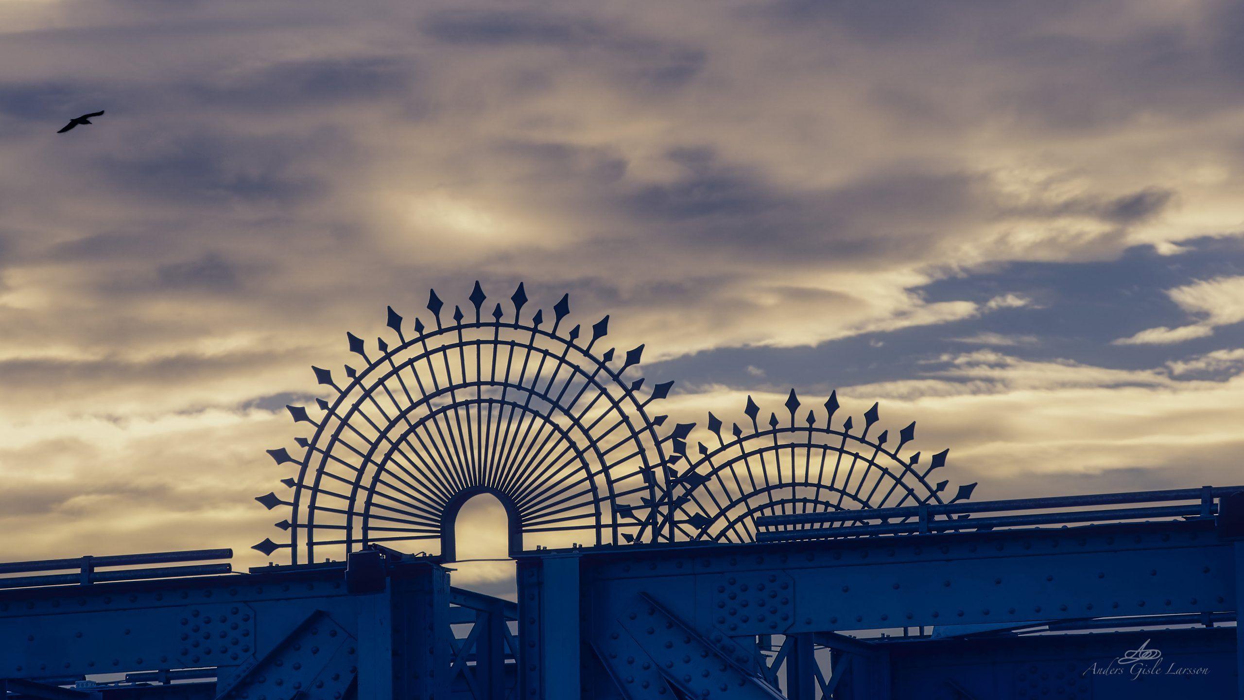 Blå Himmel, Uge 1, Den Blå Bro, Randers